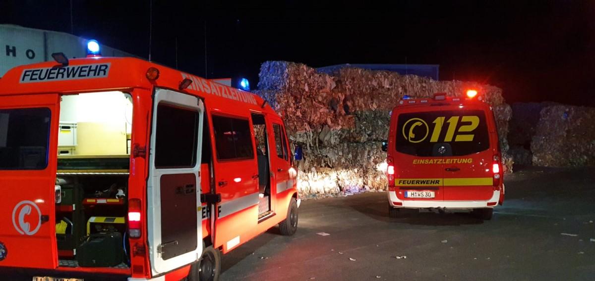 Feuer in einer Papierverarbeitungshalle (Kolenfeld)